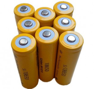 Аккумуляторы Li-ion 18650 3.7V на фонарики