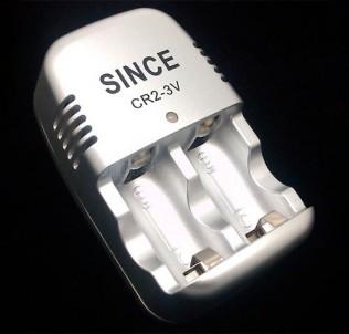 Зарядное устройство для CR2 аккумуляторов